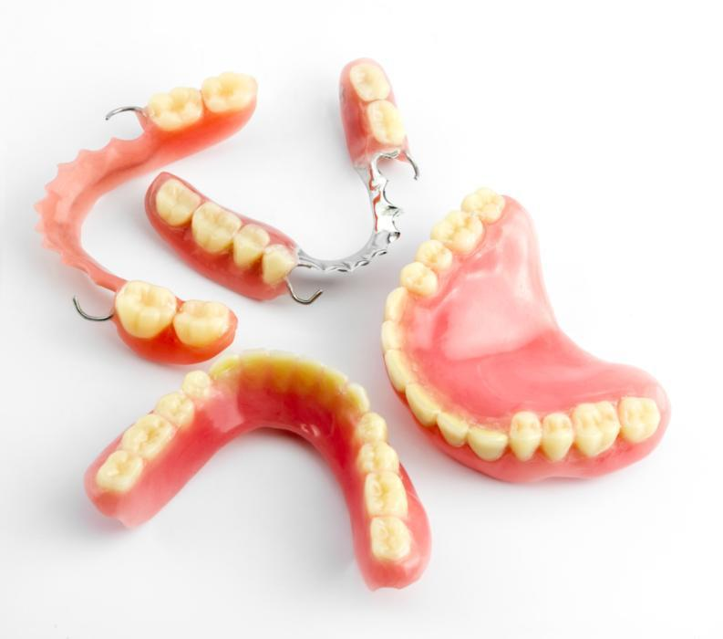 a set of dentures on a table | east brainerd denture dentist